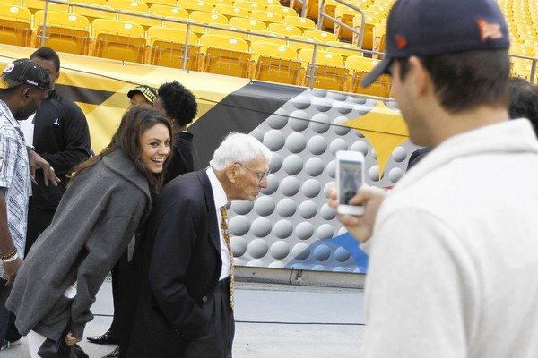 Mila Kunis Photobombs Steelers Owner Dan Rooney with the Help of Ashton Kutcher