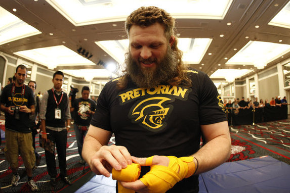 Dana: Roy Nelson Shouldn't Be Allowed to Fight with 'Nasty, Ratty' Beard
