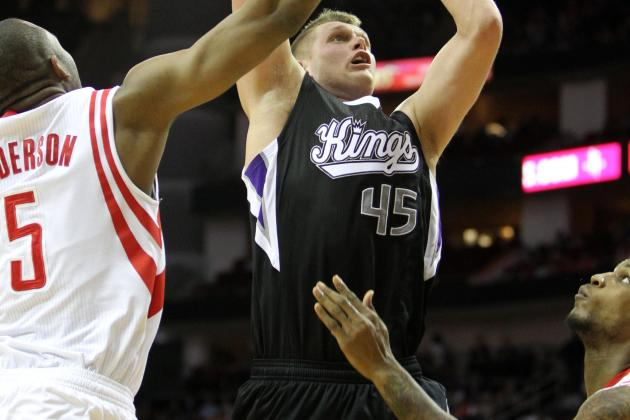 Knicks Sign Center Cole Aldrich