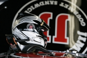 SHR Adds Sponsor for Kevin Harvick