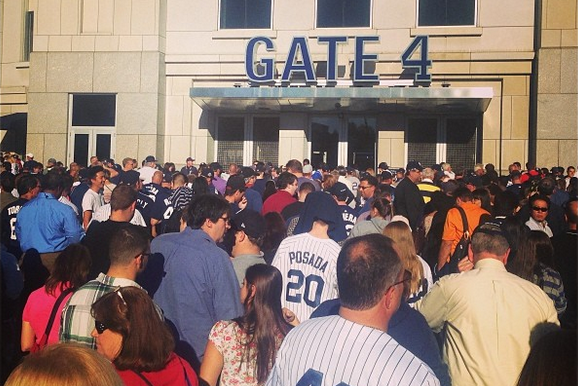 Mariano Rivera Bobblehead Night a Disaster as Yankees Receive Shipment Late