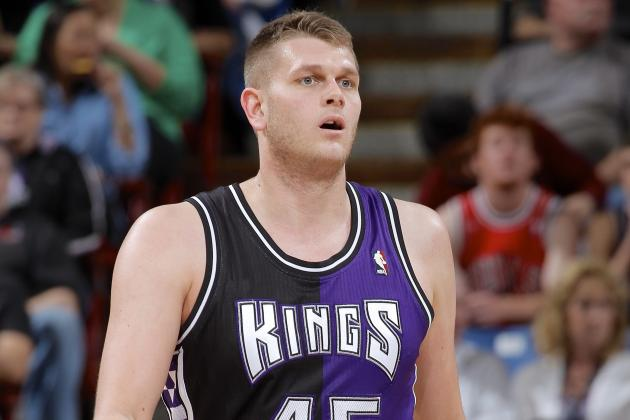 New York Knicks Sign Center Cole Aldrich to Contract for 2013-14 Season