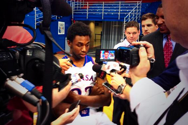 Wiggins Swarmed by Reporters at Media Day