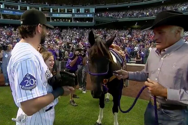 Rockies Give Helton a Horse as Going-Away Gift
