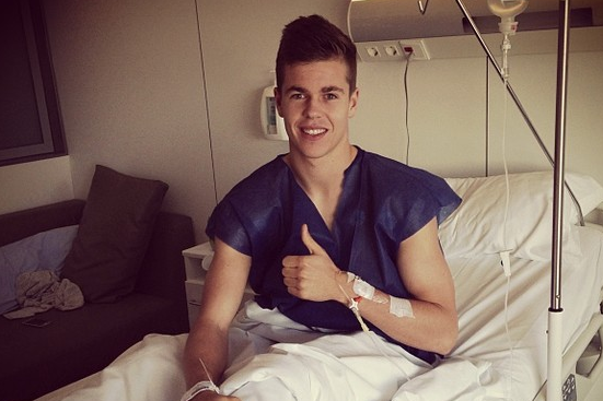 Photo: Chelsea's Marco Van Ginkel in Hospital Bed After Knee Surgery