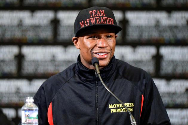 Floyd Mayweather Puts Down Huge Bet on College Football Saturday