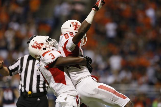 Singleton's Key Plays Lead Houston 59-28 over UTSA