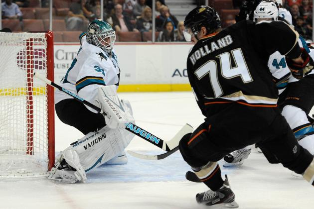 Sharks Fend off Ducks' Rally for One-Goal Win