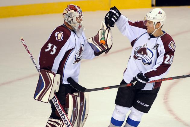 Second-Period Flurry Sends Avalanche Past Kings