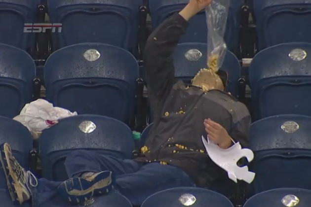 Washington State Football Fan Wants Every Last Bit of Popcorn