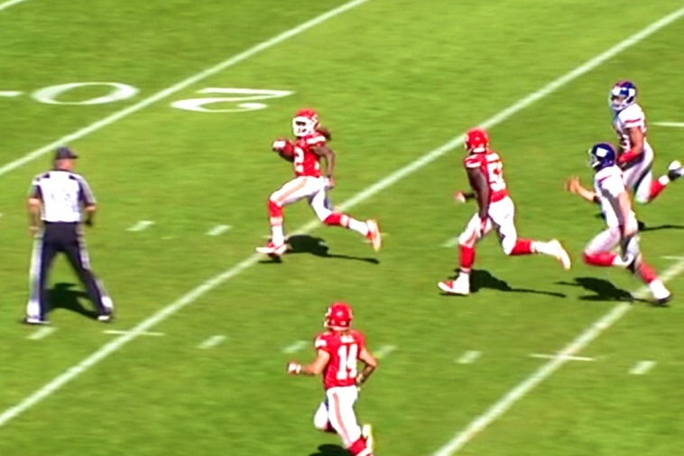 Chiefs' Dexter McCluster Electrifies with a 89-Yard Punt Return for TD