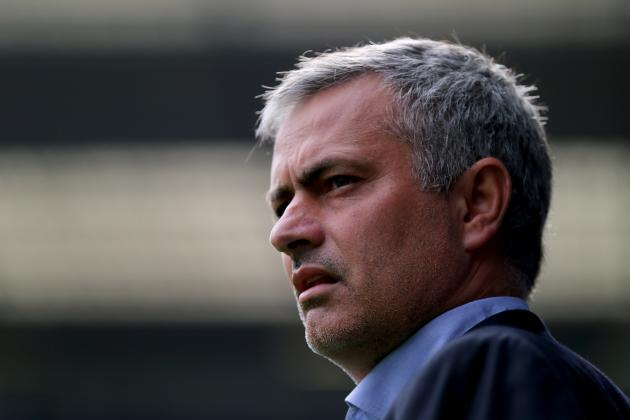 Jose Mourinho Storms out of Chelsea Press Conference