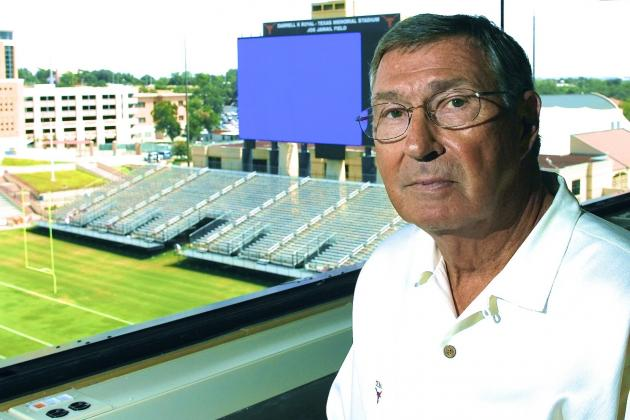 DeLoss Dodds Set to Retire as Texas Athletic Director in 2014