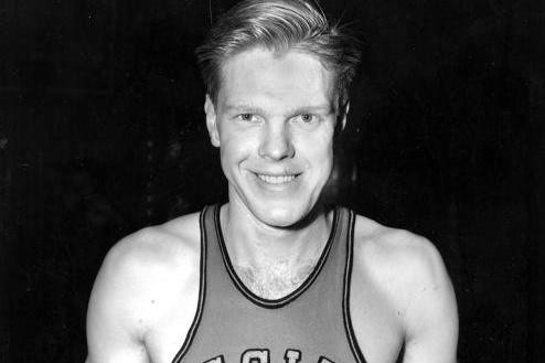 Oklahoma State Basketball Legend Bob Kurland Passes Away at Age 88