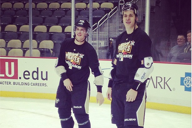 Instagram: Crosby, Malkin Playing Baseball on the Ice
