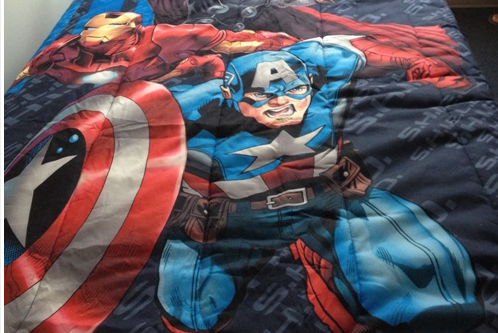 Former Heisman Winner Ricky Williams Has an Avengers Bedding Set in His Room