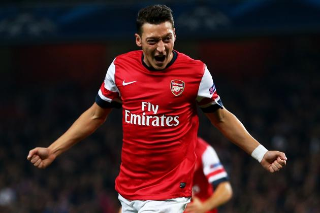 Mesut Ozil Is Inspiring Dream Football at Arsenal, Says Arsene Wenger