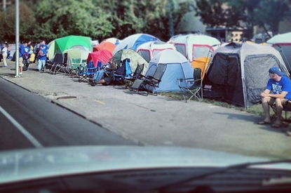 Pictures, video of record 650 tents camping out for Big Blue Madness(VIDEO)