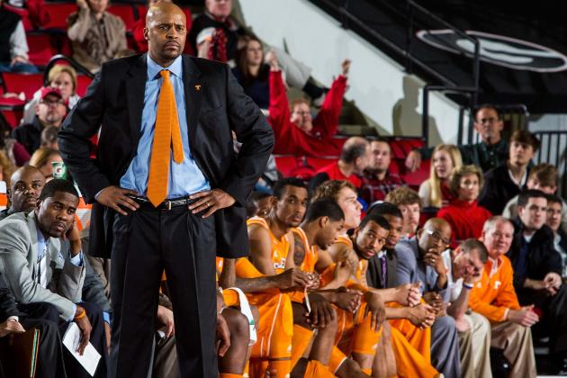Strong Bench Is 'Biggest Thing' in Cuonzo Martin's Third Season