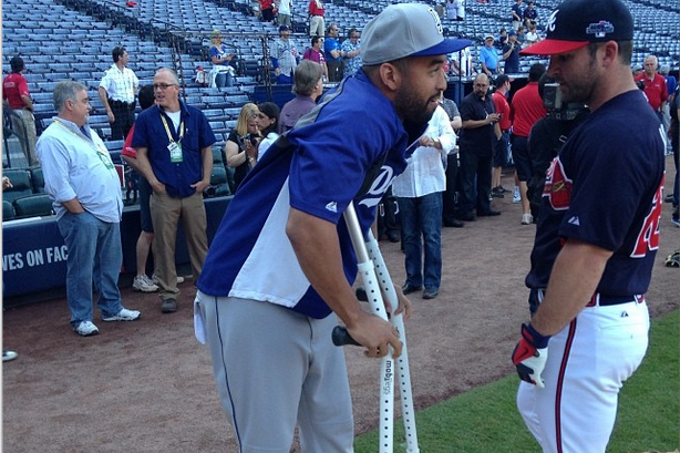 Instagram: Kemp on Crutches, Talking with Uggla at BP