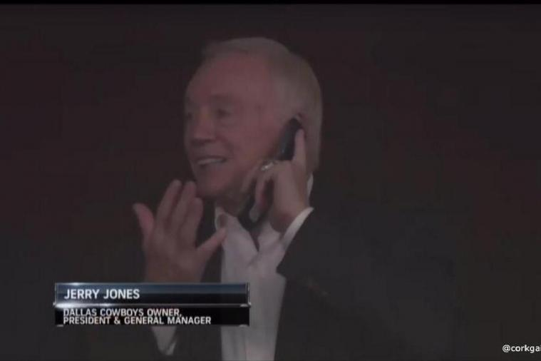 Dallas Cowboys Owner Jerry Jones Still Uses a Flip Phone