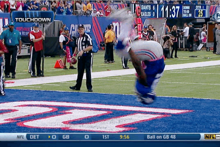 Giants' David Wilson Celebrates TD with Double Backflip