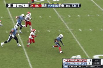 Titans' Chris Johnson Bursts Through Chiefs' D for 49-Yard TD