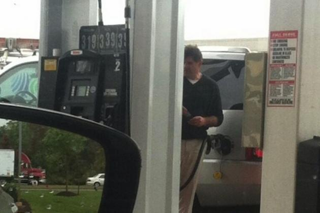 Here's Sad Peter Laviolette Pumping His Own Gas