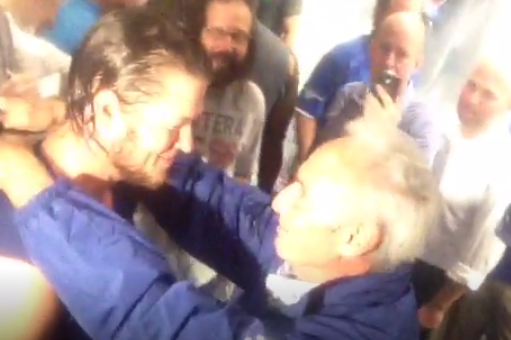 VIDEO: Kershaw and Sandy Koufax Share a Moment After Game 4