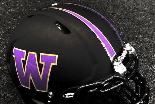 The University of Washington Will Wear These Matte Black Helmets Against Oregon