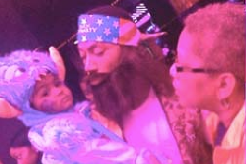 Derrick Rose Dressed as Willie from 'Duck Dynasty' for His Son's First Birthday