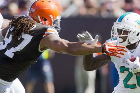 Linebackers Jabaal Sheard and Quentin Groves Return to Practice