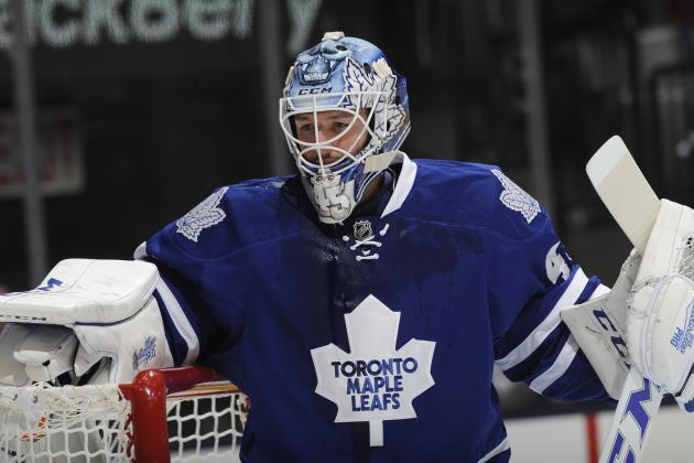 Bernier Leads Maple Leafs over Predators 4-0