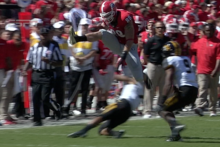Georgia Tight End Arthur Lynch Clears Missouri Defender with High Hurdle