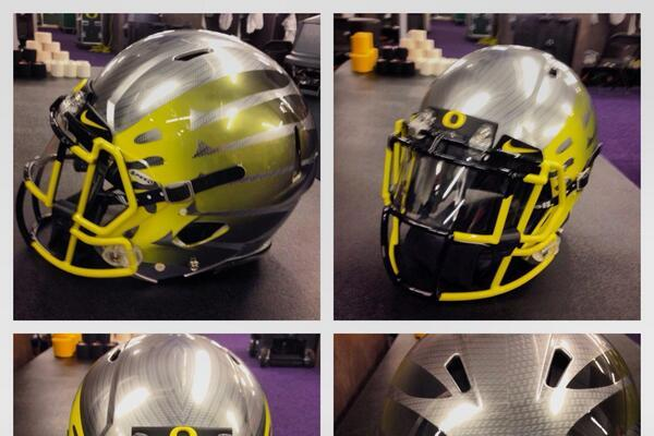 Oregon Unveils Uniforms for College Gameday Matchup vs. Washington