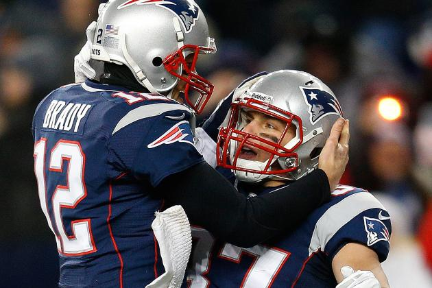 Brady on Gronk: 'It's Killing Him to Not Be out There with Us'