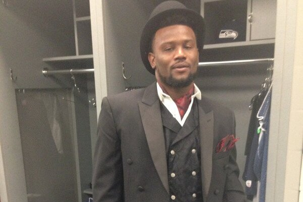 Seahawks Cornerback Walter Thurmond Goes Back in Time with Postgame Outfit