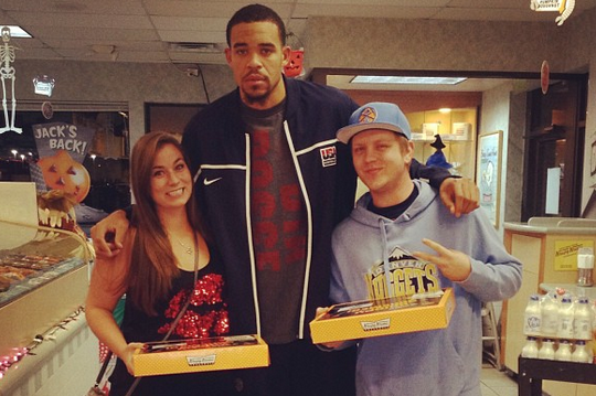 Nuggets Star Has Sweet Treat for Fans