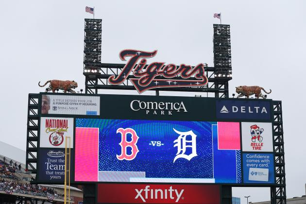 Red Sox and Tigers Resume Play After Power Outage Delays Game 3 of ALCS