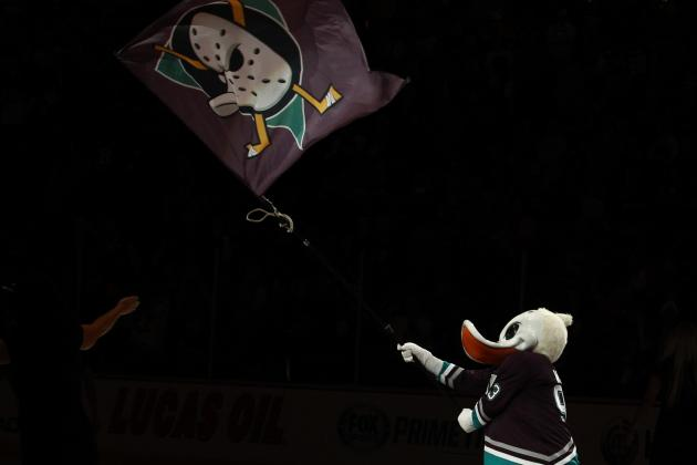 Anaheim Ducks Wore Throwback 'Mighty Ducks' Jerseys Against Senators