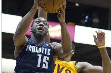 Walker, Henderson Lead Bobcats Past Cavaliers
