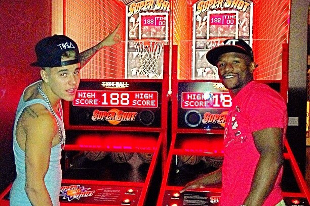 Floyd, Bieber Shoot Hoops at Arcade