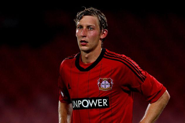 GIF: Stefan Kiessling Scores Phantom Goal Via Side Netting for Bayer Leverkusen