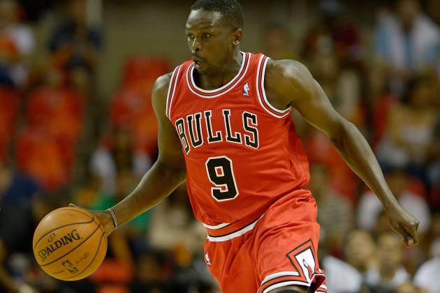 Deng Returns After Suffering Knee Injury