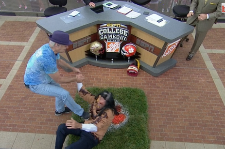 Bill Murray Takes Down Lee Corso on College GameDay