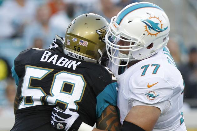 Miami Dolphins: What Is Wrong with Right Tackle Tyson Clabo?