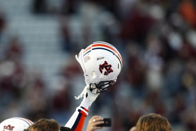 Auburn Football: Marcus Davis Makes Critical Catch Against Texas A&M