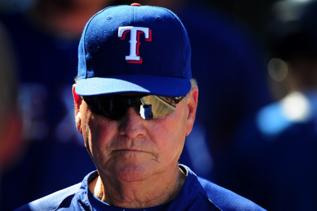 Ex-Bench Coach Moore 'Pulls Back the Curtain' on Rangers' Front-Office Tension