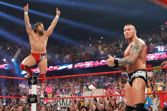 WWE Raw Review (10/21/13): Daniel Bryan and Randy Orton Contract Signing