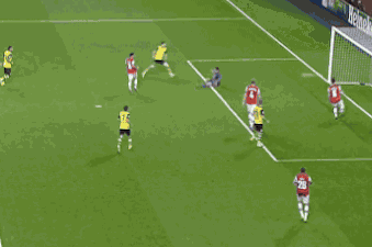 GIF: Robert Lewandowski Scores for Borussia Dortmund vs. Arsenal in UCL